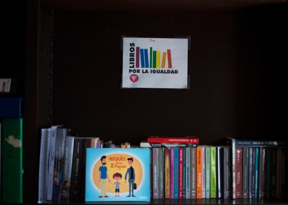 Guatemala, Ciudad Guatemala – LGBT book exchange at Odiscea