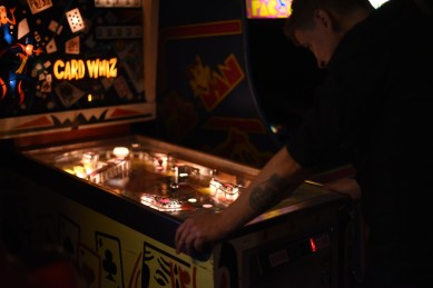 Montréal – LSTW night at Fitzroy even has a pinball machine