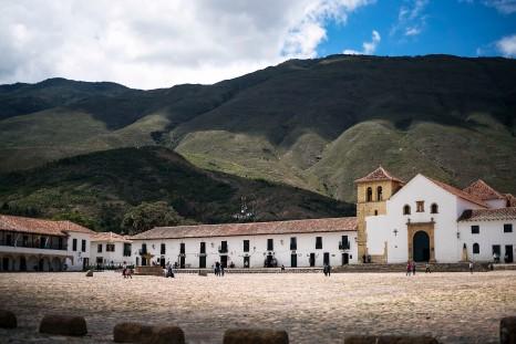 Villa de Leyva – Biggest square in ... Colombia? South America? It's big.